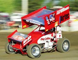 Winged sprint car