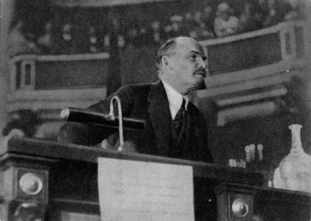 В.И.Ленин на II конгрессе Коминтерна в Кремле.  Москва, июль-август 1920 года.