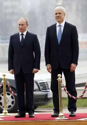 Что символизировал визит В.Путина в Сербию?
