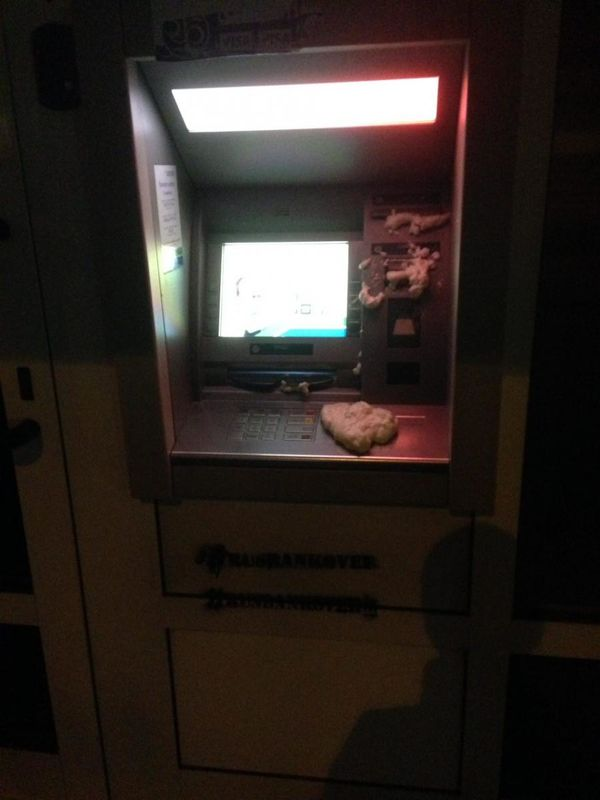 im578xAny-bankomat1.jpg