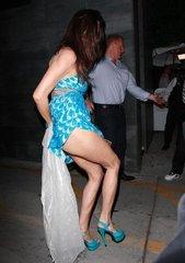 Дженнис Диккинсон - достаточно известная американская супермодель, актриса и фотограф. Позиционирует себя как первую в мире супермодель