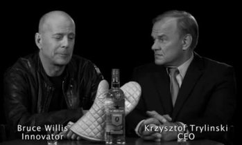 Брюс Уиллис (1955г.), один из самых высокооплачиваемых в Голливуде американский киноактёр, музыкант и продюсер, известный в России по фильмам «Крепкий орешек» (1988), «Двенадцать обезьян» (1995), «Армагеддон» (1998) и «Шестое чувство» (1999).
