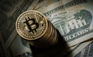 Биткойн против доллара
