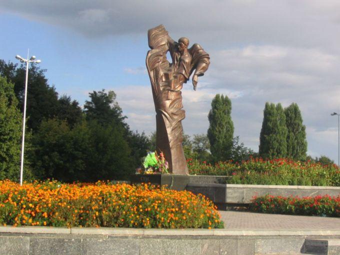 Памятник Василию Стусу